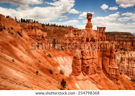 Thors Hammer and the spectacular Hoodoo red rock spires of Bryce Canyon, Utah, USA - stock photo