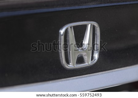 Thursday, 19 january 2017: Honda Symbol on Honda Car.