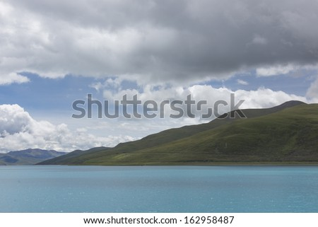 Tibet's lakes mountains Yangzhuoyongcuo