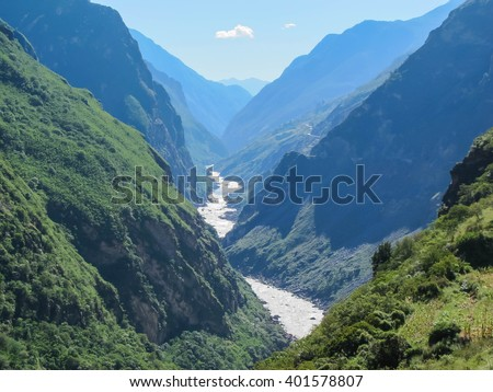Tiger Leaping Gorge, Lijiang City, Yunnan Province, China.
