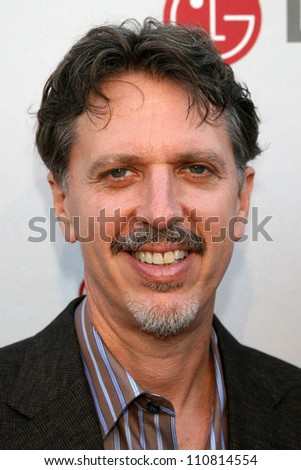 Tim Kring at the Universal Media Studios Emmy Party. LG House, Malibu, CA. 08-02-07