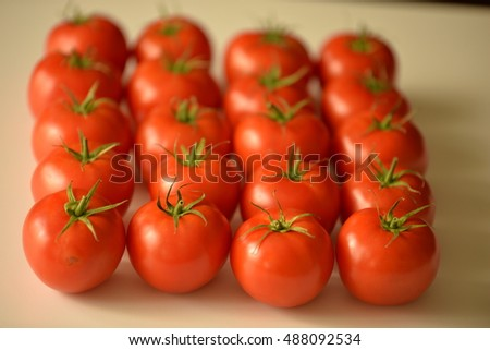 Tomatoes â?? square look