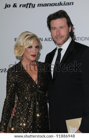 Tori Spelling and Dean McDermott  at the 19th Annual Elton John Aids Foundation Academy Awards Viewing Party, Pacific Design Center, West Hollywood, CA. 02-27-11