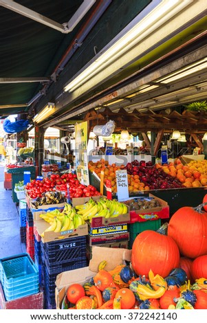 TORONTO,CANADA-17-10- 2015:Farmer's Market in the new Pedestrian Sundays celebration in Kesington Market. Kensington Market is a distinctive multicultural neighborhood in Downtown