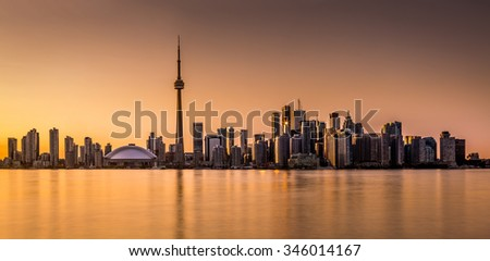 Toronto panorama at sunset viewed from Harbor Island Park