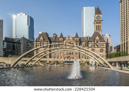 Toronto's Old City Hall (architect Edward James Lennox, 1899) was home to its city council from 1899 to 1966 and remains one of the city's most prominent structures.