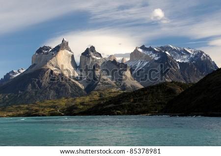 Torres del Paine vom See aus 2 - stock photo