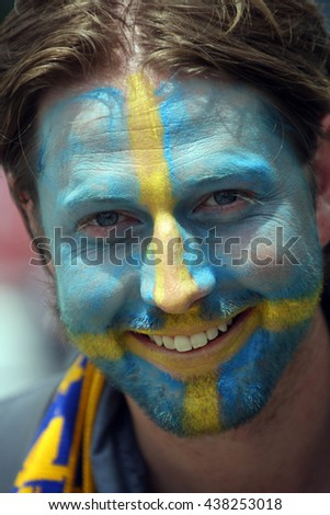 TOULOSE- FRANCE,  JUNE 2016 :  Supporters before the  football match  of Euro 2016  in France between ITALY VS SWEDEN at the Stade Municipal on June 17, 2016 in Toulose