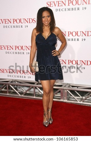 Tracie Thoms   at the Los Angeles Premiere of 'Seven Pounds'. Mann Village Theatre, Westwood, CA. 12-16-08