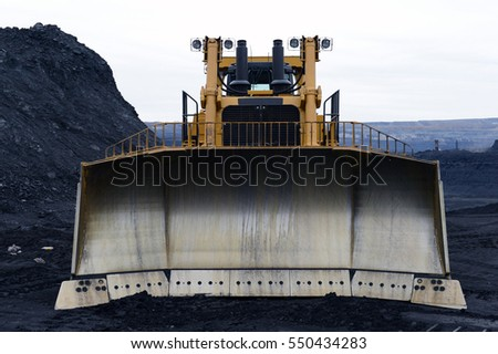 tractor, bulldozer, crawler, shovel, knife, push, dig, huge, large, machinery, quarry, extract, the bowels of the earth
