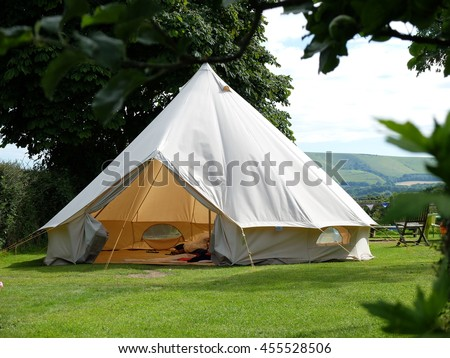 Traditional canvas bell tent in english countryside & Traditional Canvas Bell Tent English Countryside Stock Photo ...