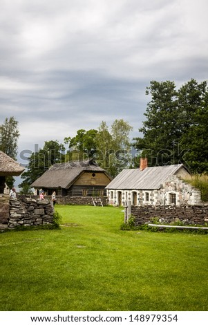 Traditional housing of the indigenous populations of Estonia