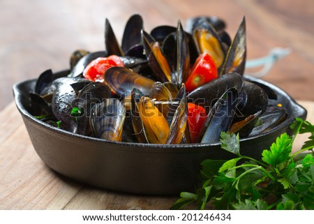 traditional italian mussels