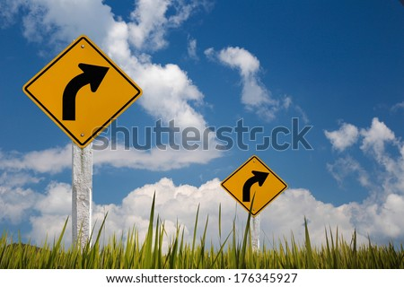 traffic sign turn right with sky .