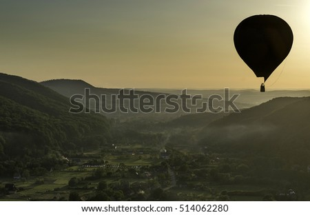 Travel with balloon