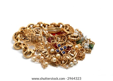 Treasure with lots of pieces jewelry  in gold