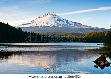 Trillium lake mount hood scene , oregon , USA - stock photo