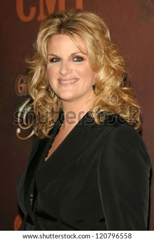 Trisha Yearwood at the CMT Giants honoring Reba McEntire. Kodak Theatre, Hollywood, CA. 10-26-06
