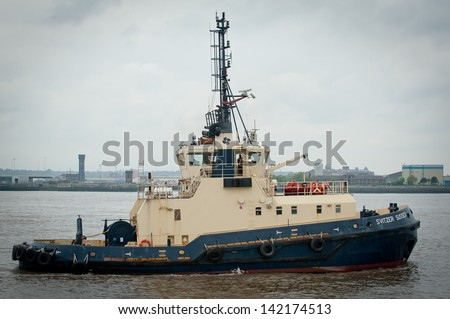 Tug Boat on the river