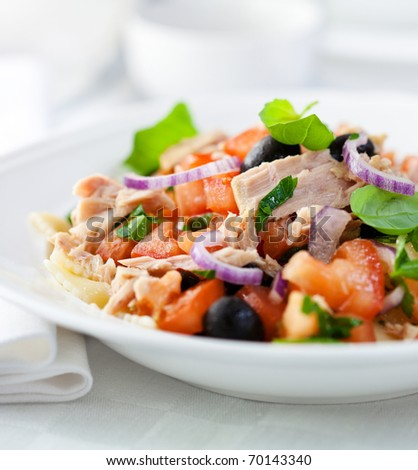 Tuna salad with fresh tomatoes,herbs and pasta