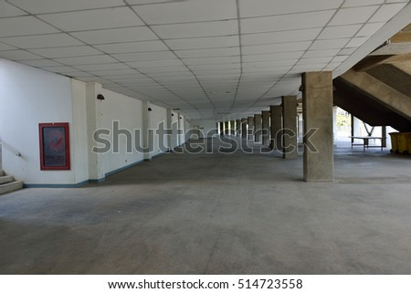 tunnel building
