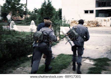 TURANJ, CROATIA, 07 SEPTEMBER 1993 ---- Croatian military police in battle against Serb troops during a pitched battle for control of territory south of Zagreb, Croatia.