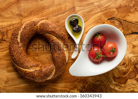 Turkish Bagel /Olive / Tomato - Simit