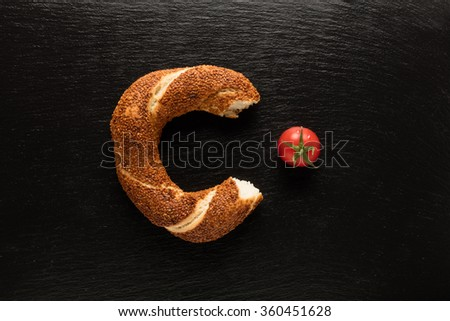 Turkish bagel / Tomato - Simit