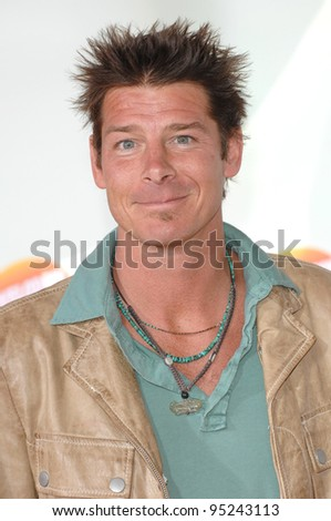 Ty Pennington at Nickelodeon's 20th Anniversary Kids' Choice Awards at UCLA's Pauley Pavilion in Los Angeles. March 31, 2007  Los Angeles, CA Picture: Paul Smith / Featureflash