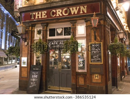 Typical English pub at Covent Garden district - LONDON/ENGLAND  FEBRUARY 23, 2016