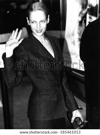 Uma Thurman at the New York premiere of SNOW FALLING ON CEDARS, 12/13/99