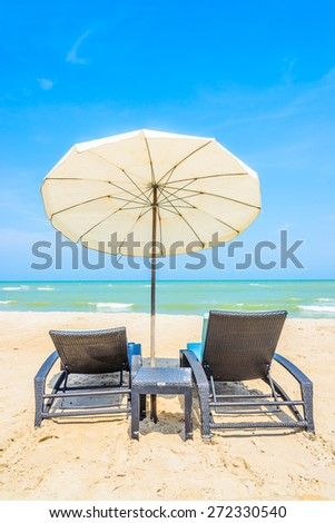 Umbrella beach deck