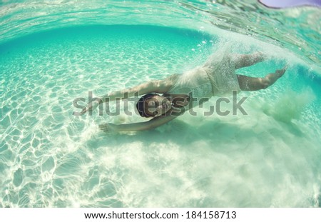 Underwater bride in Maldives