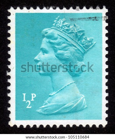 UNITED KINGDOM - CIRCA 1971: A stamp printed in United Kingdom showing a portrait of Queen Elizabeth II on turquoise background , circa 1971. - stock photo