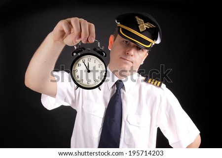 Upset pilot waiting for late passengers