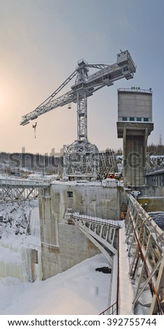 upstream hydropower plants: crane, hydraulic lock, the section of hydraulic barriers, metal construction