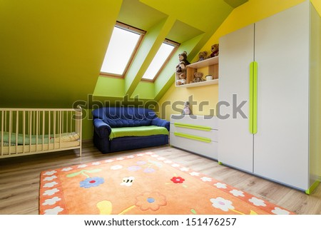 Urban apartment - green and yellow children room