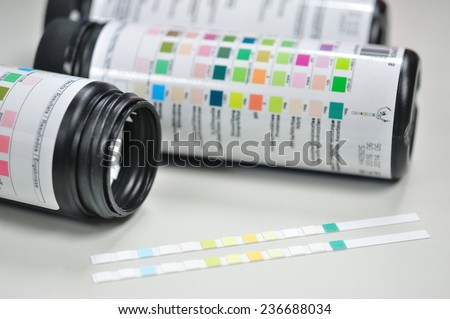 urine paper strip test