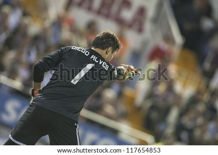 VALENCIA - NOVEMBER 3: Diego Alves during Spanish Cup match between Valencia CF and AT Madrid, on November 3, 2012, in Mestalla Stadium, Valencia, Spain
