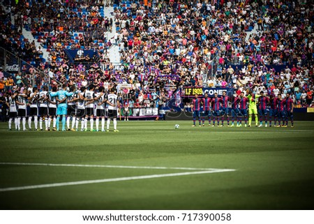 VALENCIA, SPAIN - SEPTEMBER 16: All players during Spanish La Liga match between Levante Ud and Valencia CF at Ciutat de Valencia Stadium on September 16, 2017 in Valencia, Spain