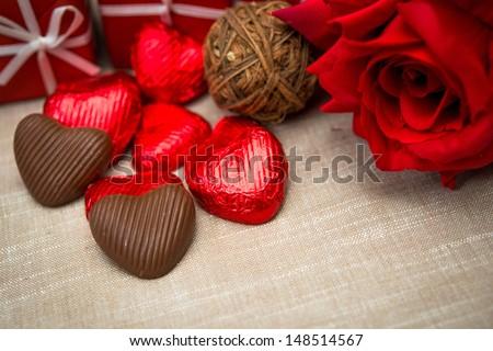 Chocolate-Tình yêu trái tim ngọt ngào Valentine hình sôcôla Kẹo