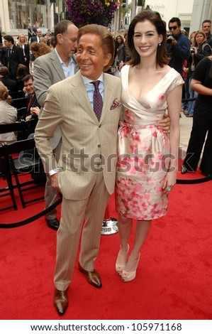 Valentino Garavani and Anne Hathaway  at the Rodeo Drive Walk of Style Ceremony honoring Valentino Garavani. Rodeo Drive, Beverly Hills, CA. 04-02-09