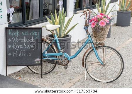 VANRHYNSDORP, SOUTH AFRICA - AUGUST 12, 2015: A restaurant and gift shop, called the Muis Huis (mouse house) in Vanrhynsdorp, a small town in the Western Cape Province