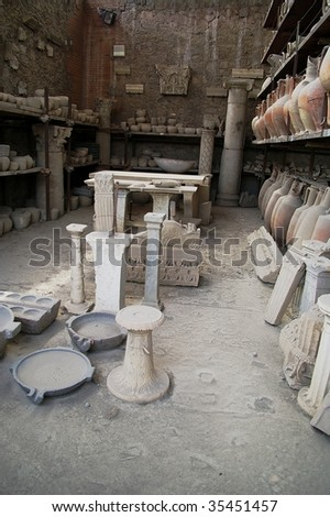vases and remants from pompei volcano eruption