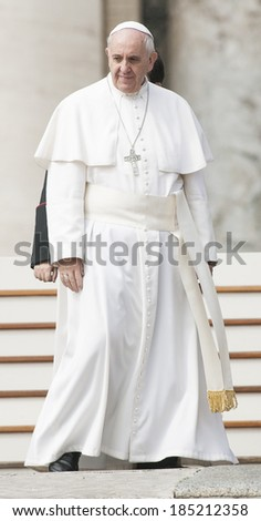 VATICAN CITY, VATICAN - APRIL 02 :  Pope Francis greets the pilgrims during his weekly general audience in St Peter's square at the Vatican on April 02, 2014.