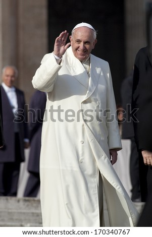 VATICAN CITY, VATICAN - January 08 :  Pope Francis greets the pilgrims during his weekly general audience in St Peter's square at the Vatican on January 08, 2014.