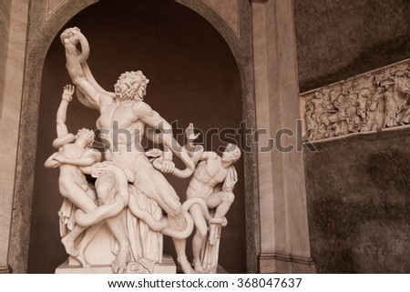 Vatican Museum, Rome, Italy - January 2007 : Statue of Laocoon and his sons in the Vatican Museum