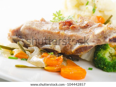 Veal ribs with vegetables