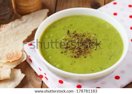 Vegan green pea soup with coconut milk