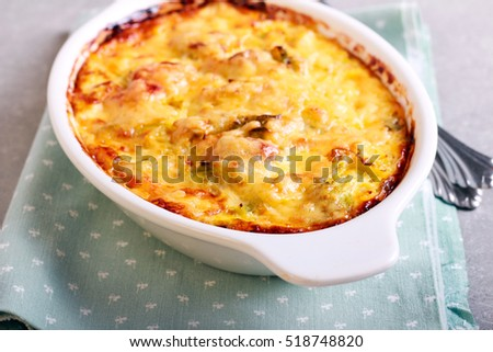 Vegetable and ham bake in a tin